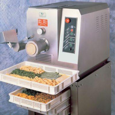 Extruder-type-pasta-machine-1